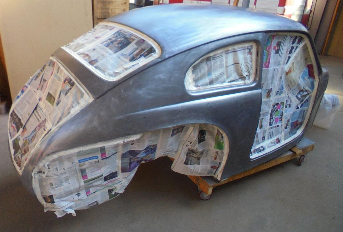 1961 Volvo pv544 body in matt clear coat1.JPG