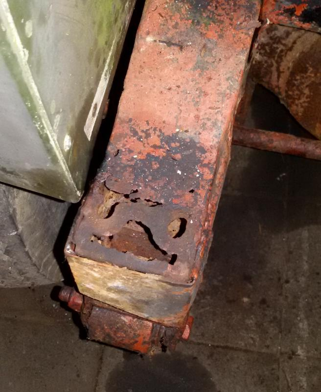 1965 series 2a front chassis damage on rhs rail.jpg
