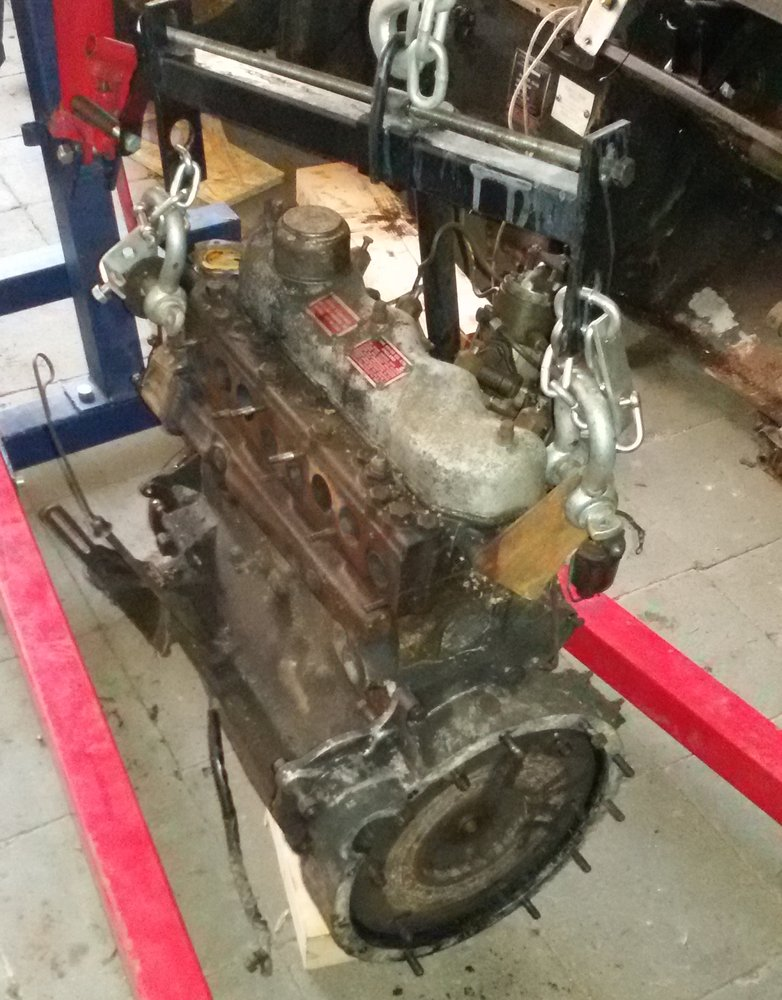 1965 series 2a station wagon gearbox removed2.jpg