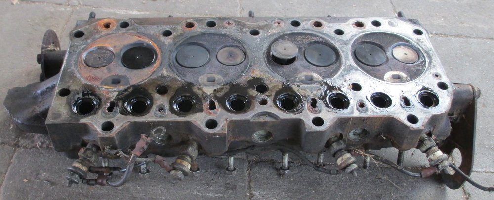 1965 series 2a station wagon head removed at least one valve bent stuck2.JPG