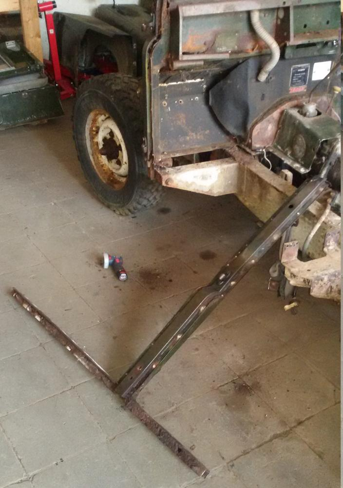 1965 series 2a station wagon lhs sill cut off.jpg