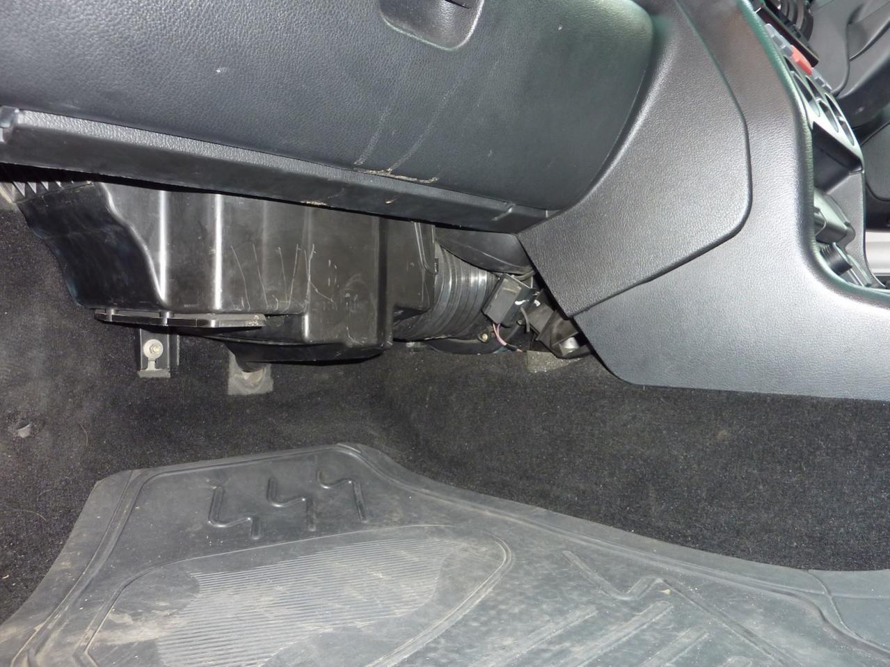 Freelander 2001 TD4 OBDII Socket or Not?? | LandyZone - Land