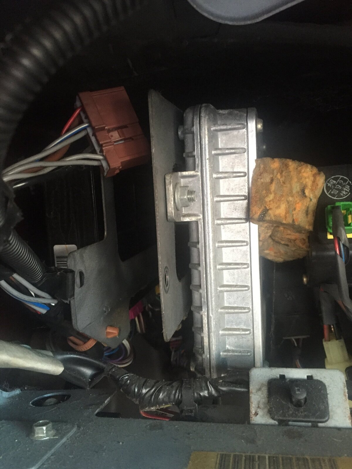 OIL in the ECU connector   TD5 | LandyZone - Land Rover Forum