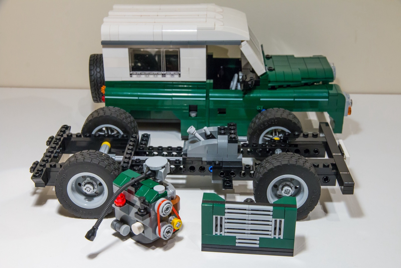 lego land rover landyzone land rover forum. Black Bedroom Furniture Sets. Home Design Ideas