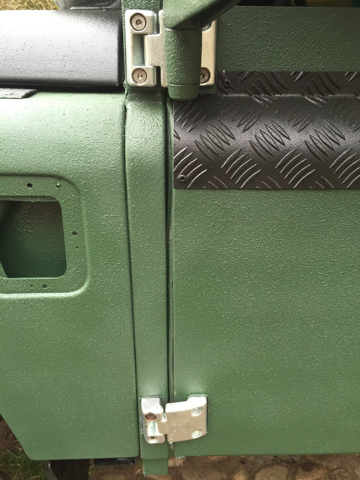 IMG_1300. & series doors on a defender - problems with alignment | LandyZone ... pezcame.com