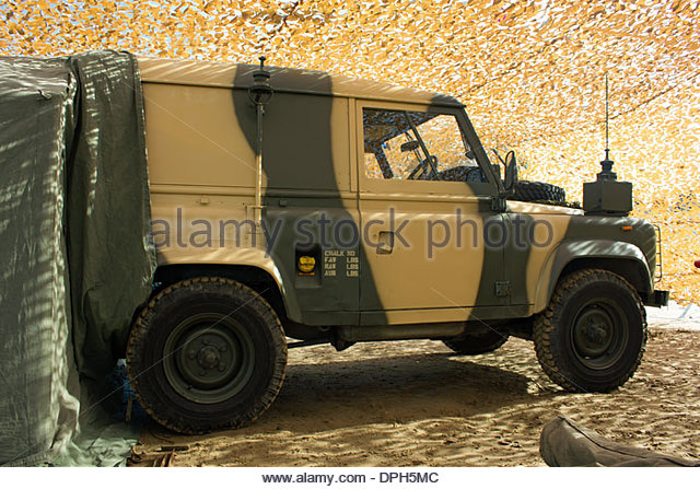 military-land-rover-dph5mc.jpg
