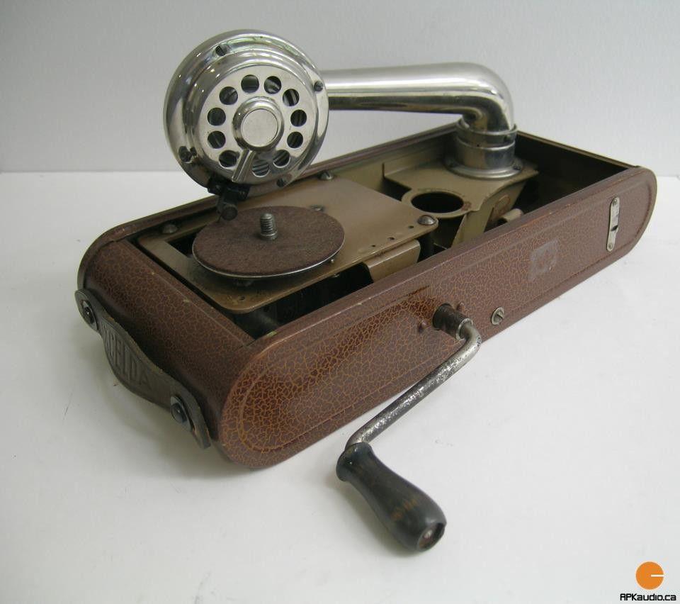 Portable-record-player.jpg