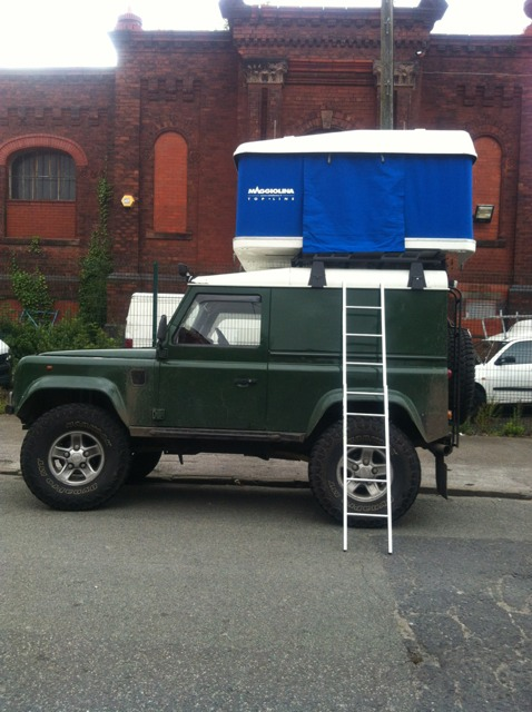 tent.jpg & Maggiolina roof tent | LandyZone - Land Rover Forum